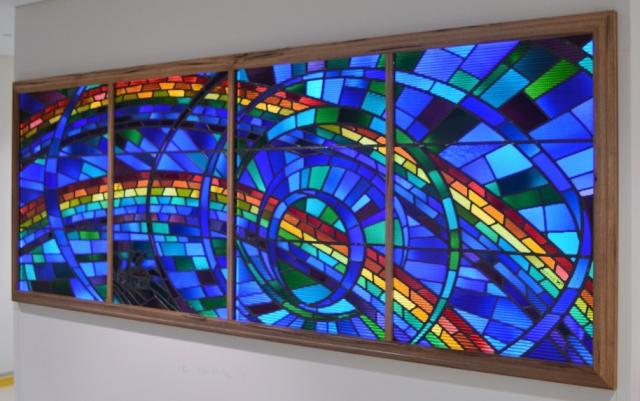 http://www.traditionstainedglass.com.au/braemar-shines-stained-glass/
